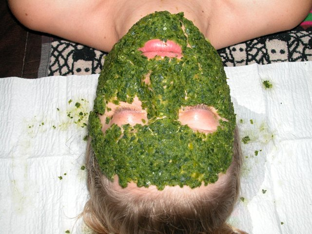 green smoothie facial mask
